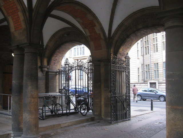 Entrance to courtyard. Downing Street, Cambridge