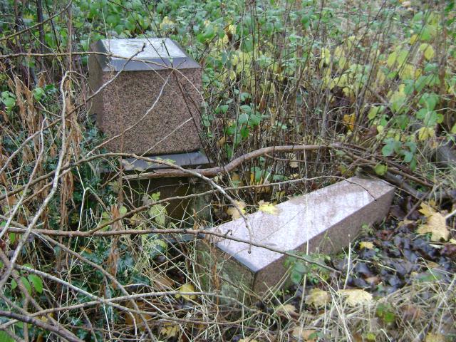 Fallen obelisk, Handsworth Parish Churchyard