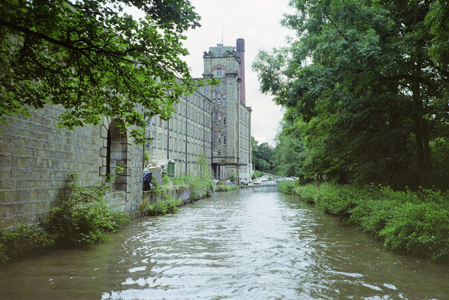 Macclesfield Canal by Clarence Mill, 1990