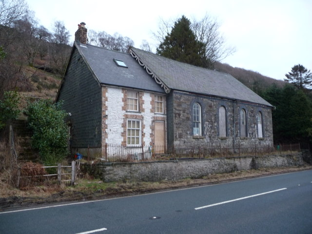 Old chapel and manse beside the A44 at Penlon