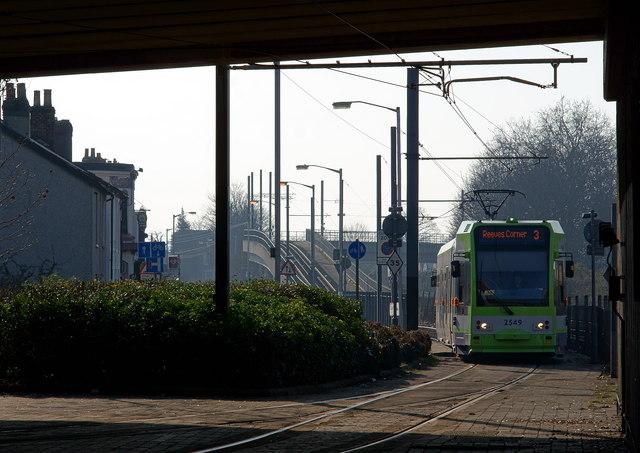 Tram at Pitlake, Croydon