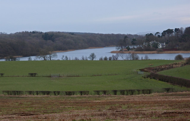 Martnaham Loch and Lodge