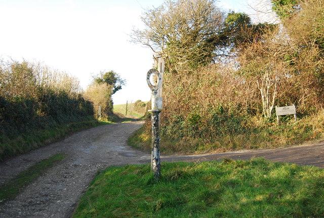 Road sign, Chalk Pit Lane