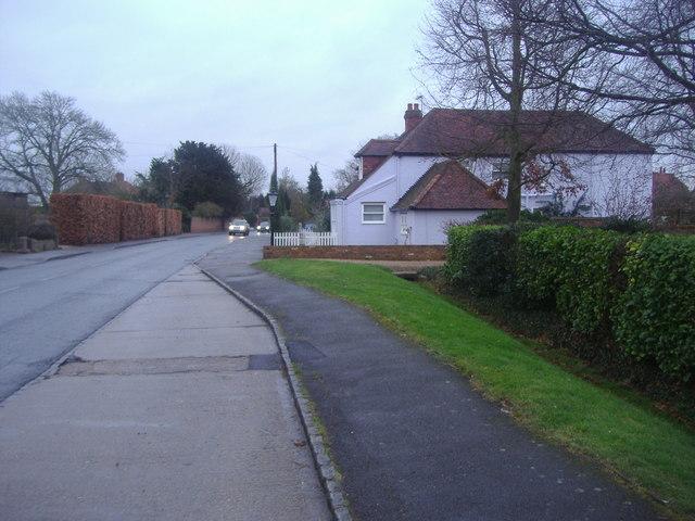 Village Road, Dorney