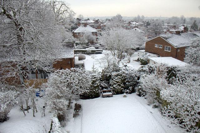 More Snow in London N14