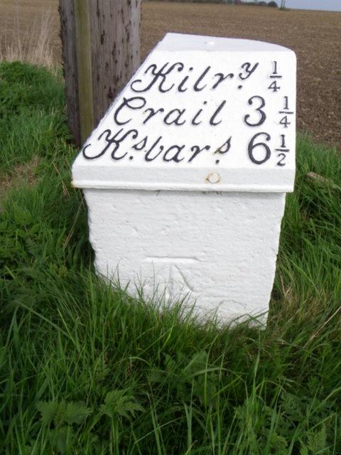 Milestone and bench mark, Kilrenny