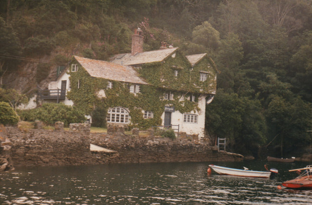Bodinnick From Ferry 1986