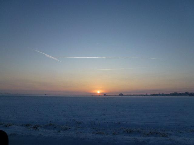 Snow, sun, sky - Silver's Lane, Parson Drove