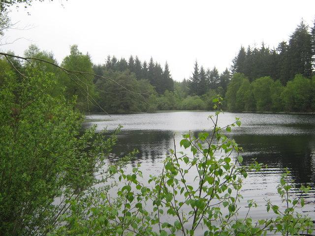 Little Bruntis Loch, looking west