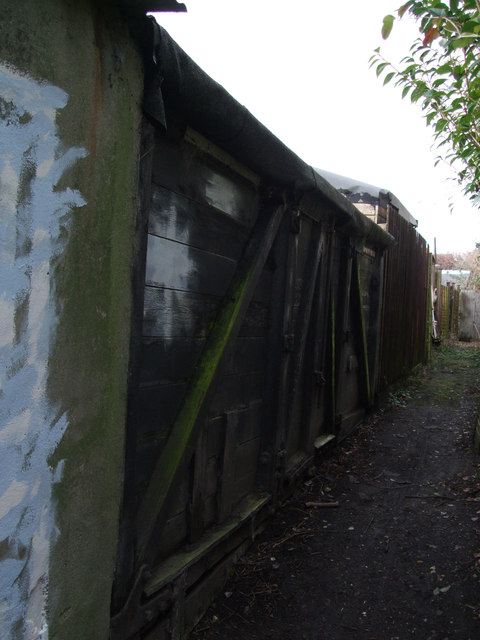 Railway carriage used as a shed, Dores Road, Upper Stratton