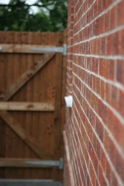 Wall and gate, Gosport