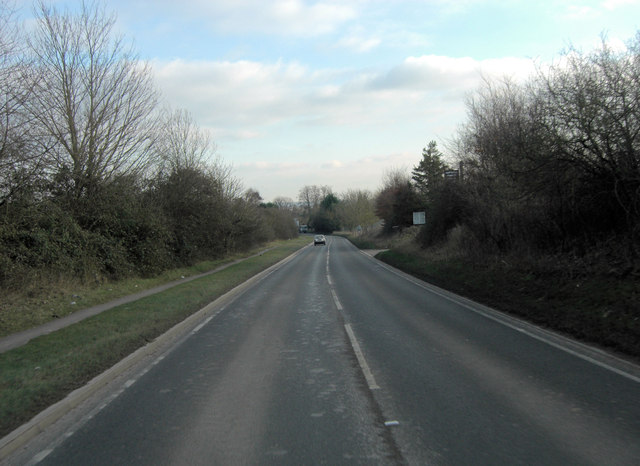 A4130 north of Slade End Farm