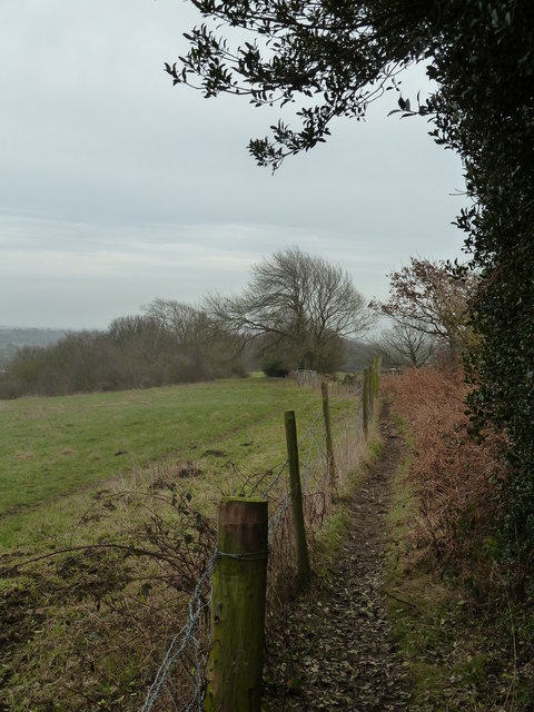 Footpath south of Bole Hill