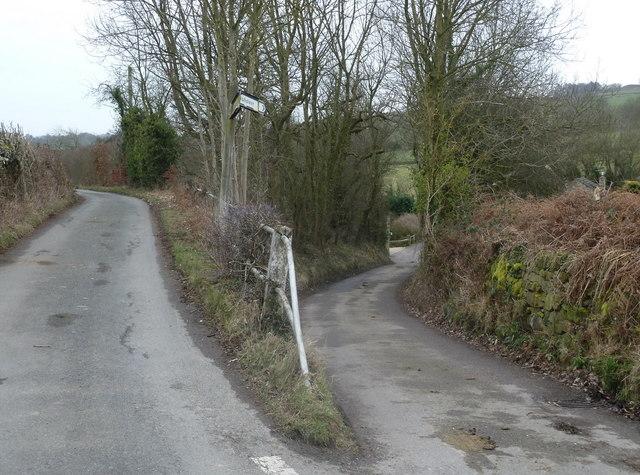 Acute lane junction