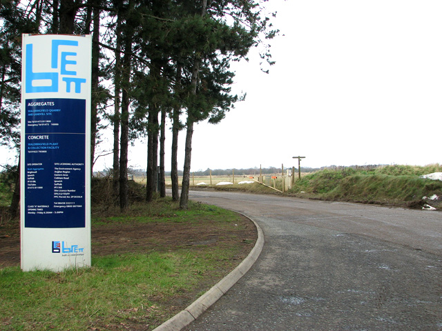 Sign by the entrance to Waldringfield quarry