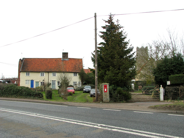 Cottages and church, Stratford St Andrew