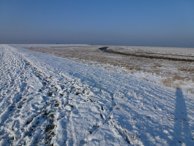 The Wash coast in winter - Foot prints in the snow