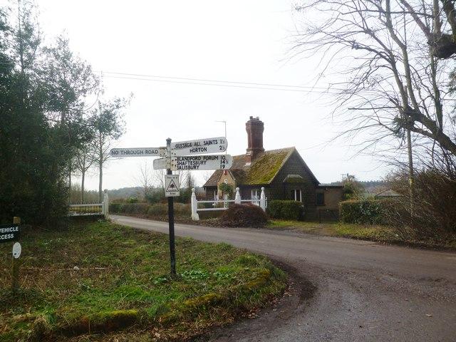 Moor Crichel, Mill Hill Lodge