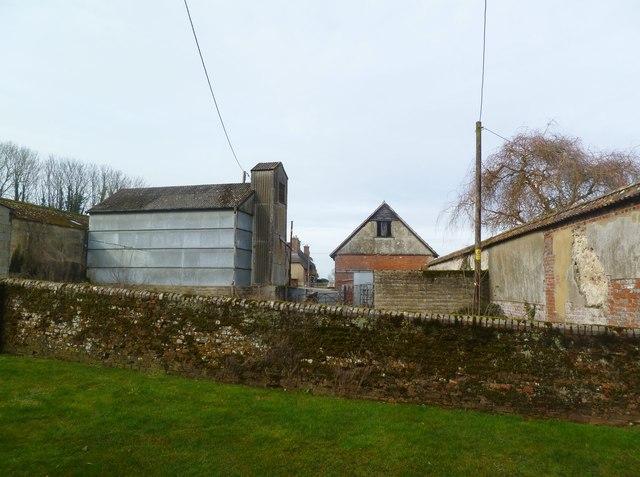Moor Crichel, Moor Farm