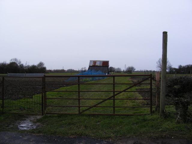 Footpath to Banyards Green & Gorams Mill Lane