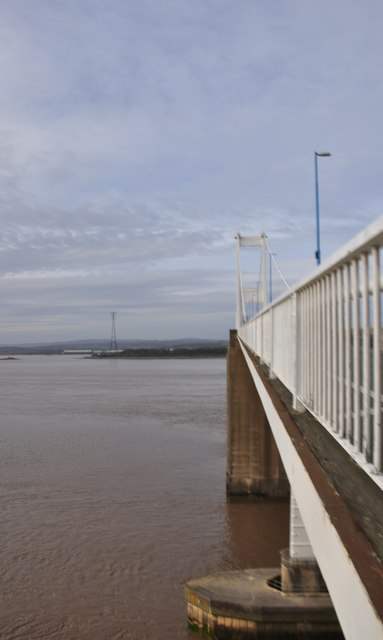 Severn Bridge : Bridge & River Severn