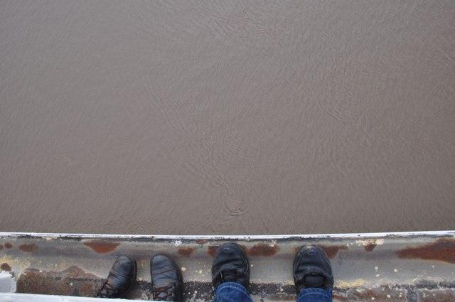 Severn Bridge : Feet & River Severn