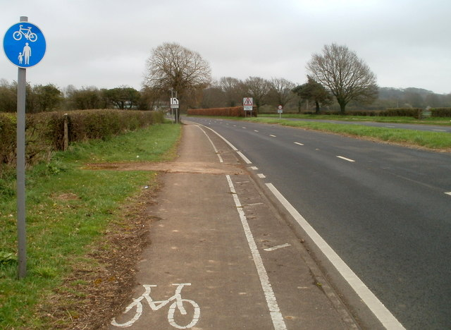A48 and cycle track approach Crick from Caerwent