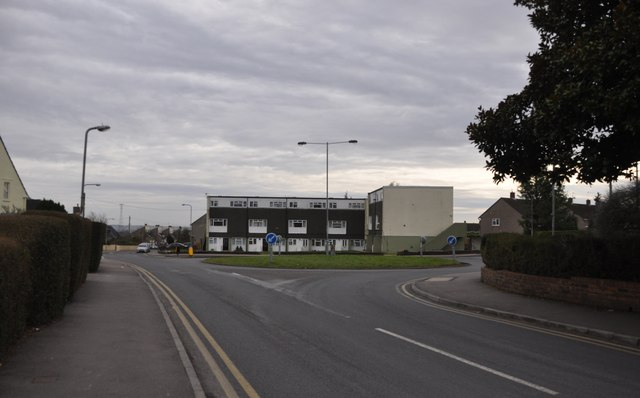 Chepstow : Thornwell Road & Roundabout