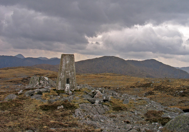 Summit area of Glas Bheinn