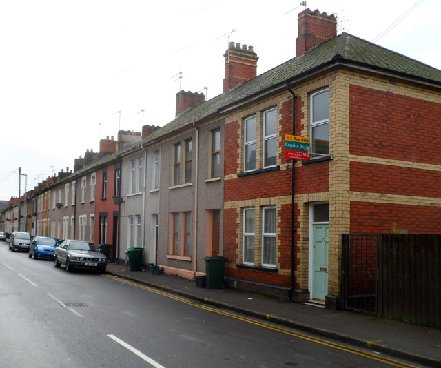Houses at the northern end of Duckpool Road, Newport