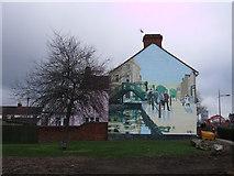 SU1584 : Golden Lion mural by Ken White, Whalebridge roundabout by Vieve Forward