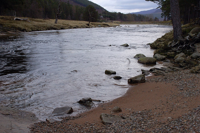 A sandy beach by the River Dee