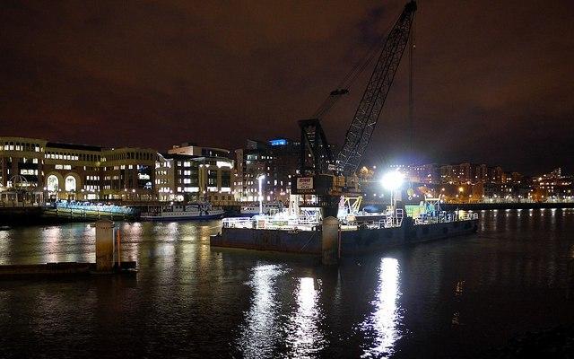 'Atlas' floating crane at night