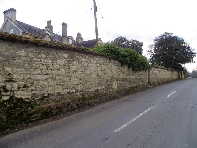Boundary wall, New Street