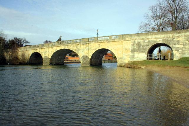River Thames at Wallingford Bridge