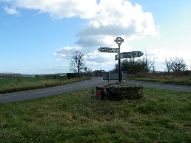 Road junction near Marnhull