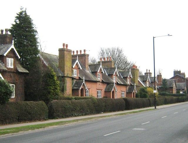 Farington Almshouse Cottages, Fox lane