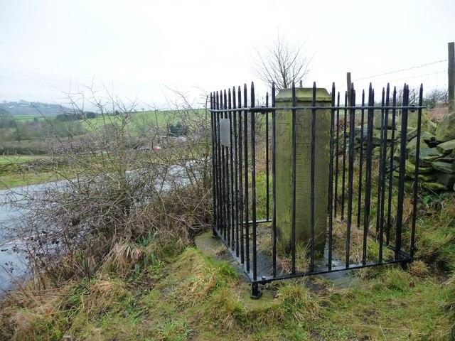 Guide post [or stoop], Farnley Moor End