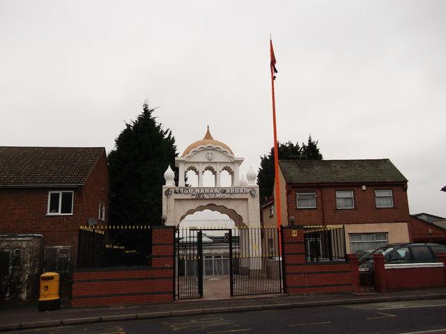 Entrance to Guru Nanak Darbar Sikh... © David Anstiss cc ...