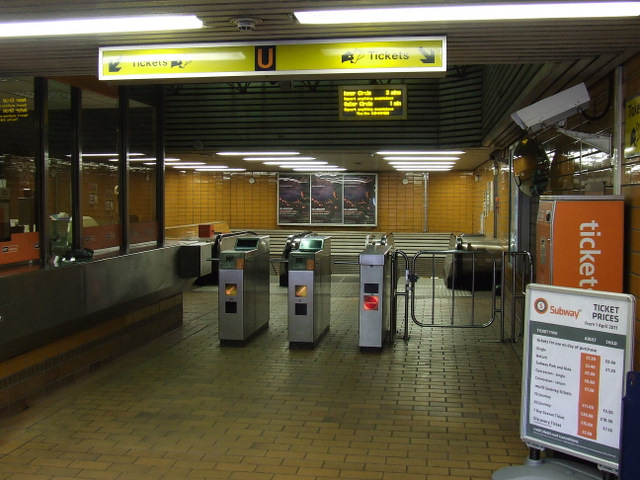 St Georges Cross subway station
