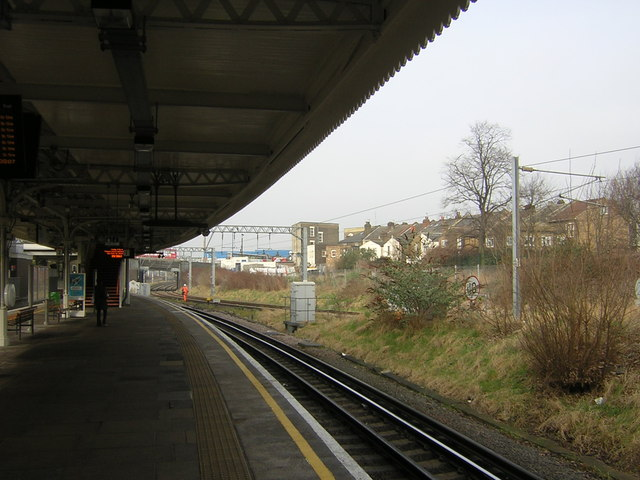 Willesden Junction: platform 1