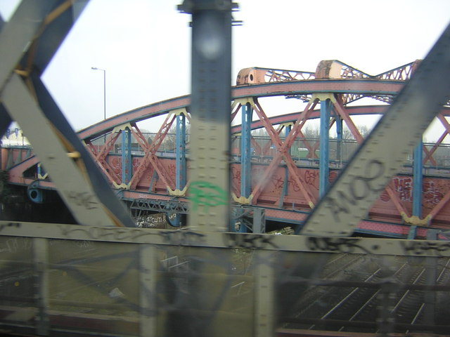 Crossing the Great Western main line, from the West London Line
