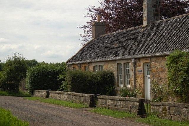 Cottages, Kinaldy