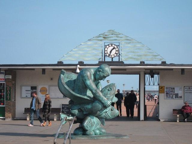 Deal Pier entrance