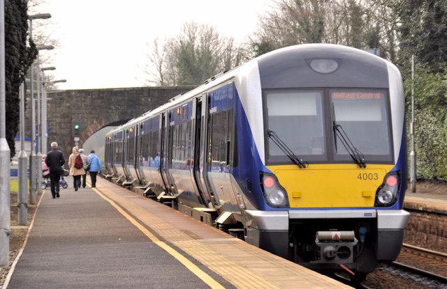 Train, Whiteabbey station (2012-1)