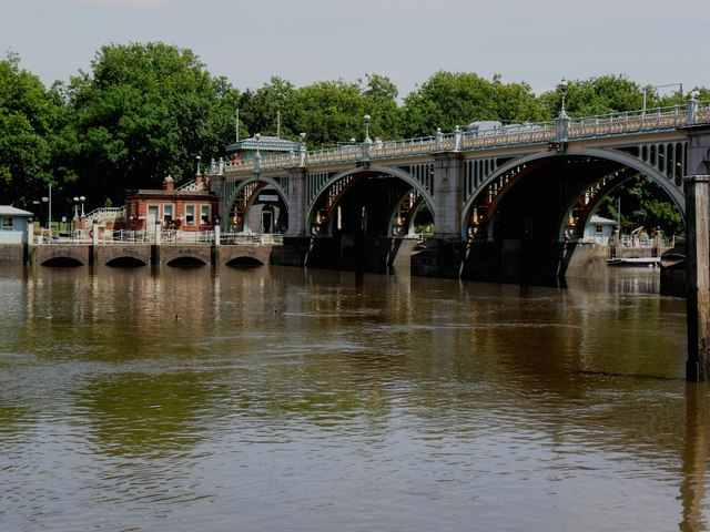 Richmond Lock and Footbridge