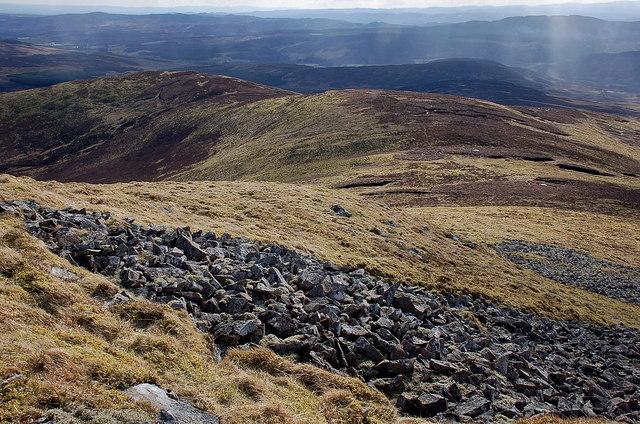 South ridge of Ben Earb