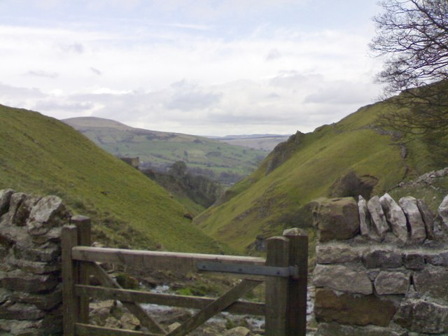 Looking down Cave Dale towards Peveril Castle