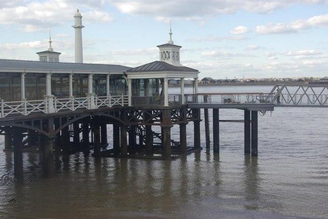Town Pier, Gravesend