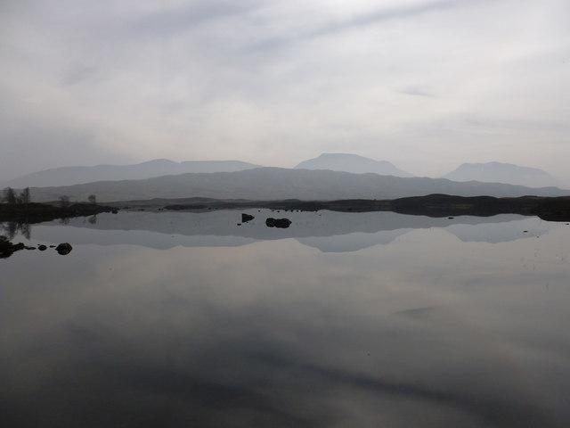 Hazy spring morning at Loch Ba